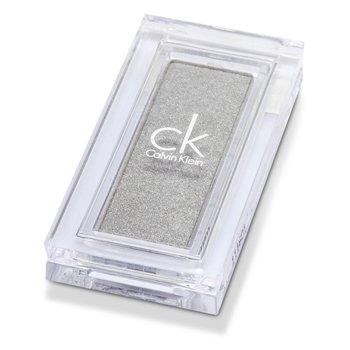 Calvin Klein Intensywny cień do powiek Tempting Glance Intense Eyeshadow (nowe opakowanie) - #137 Silver Gray (bez pudełka)  2.6g/0.09oz
