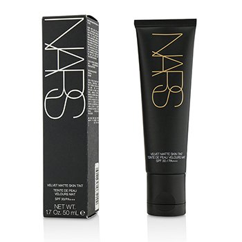 NARS Tinte de Piel Mate Aterciopelado SPF30 - #Alaska (Light 2)  50ml/1.7oz